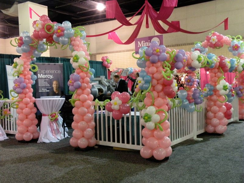 Balloon column knoxville balloon column entrance for Craft show booth design ideas