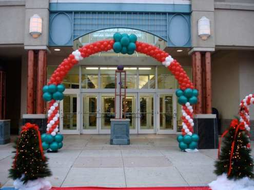 Santa's Coming to West Town Mall