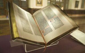 1024px-Gutenberg_Bible_New_York_Public_Library,_2009