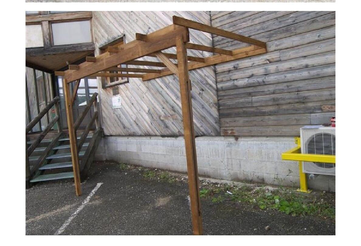 comment construire un abri de jardin en bois elegant fabriquer abri jardin construire son abri. Black Bedroom Furniture Sets. Home Design Ideas