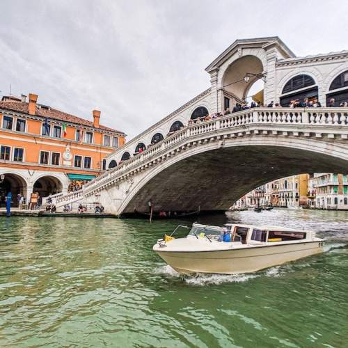 How to get from Marco Polo airport to Venice – cheap & fast