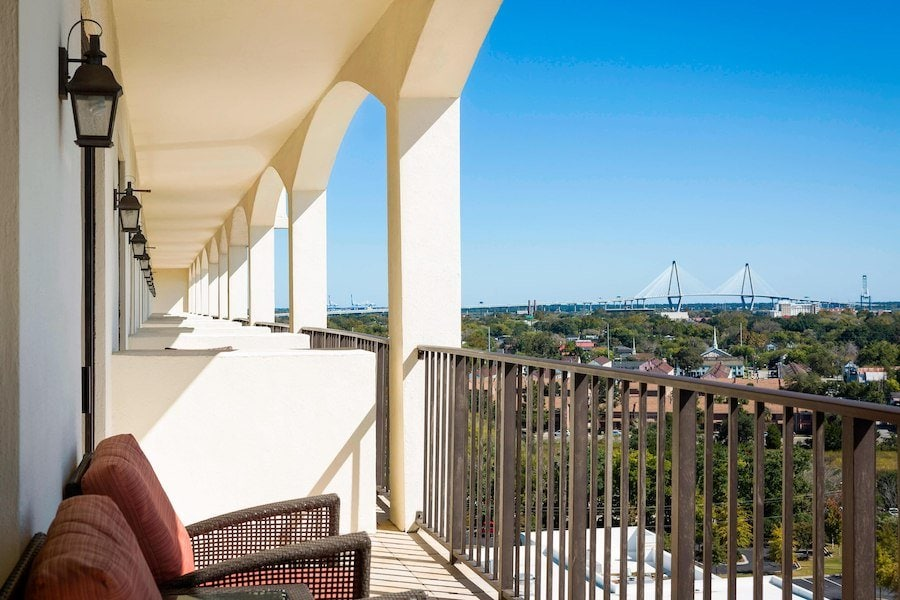 affordable hotels in charleston sc