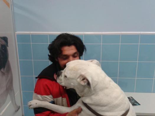 Coca con Mariano después de una sesión de quimioterapia