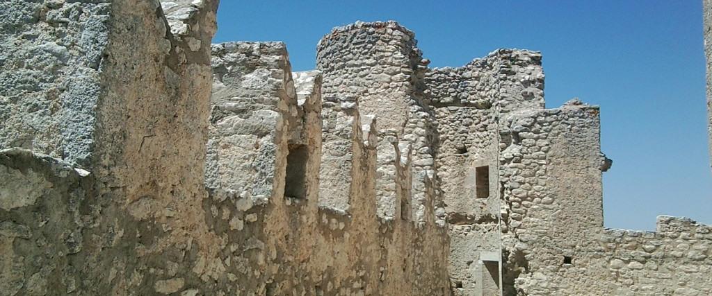 Rocca Calascio - interno delle mura