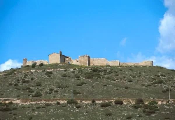 Sant Eusanio Forconese(AQ), il castello medievale