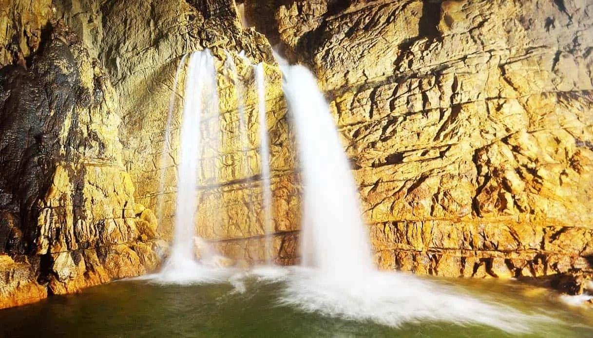 Grotte di Stiffe - cascata sotterranea