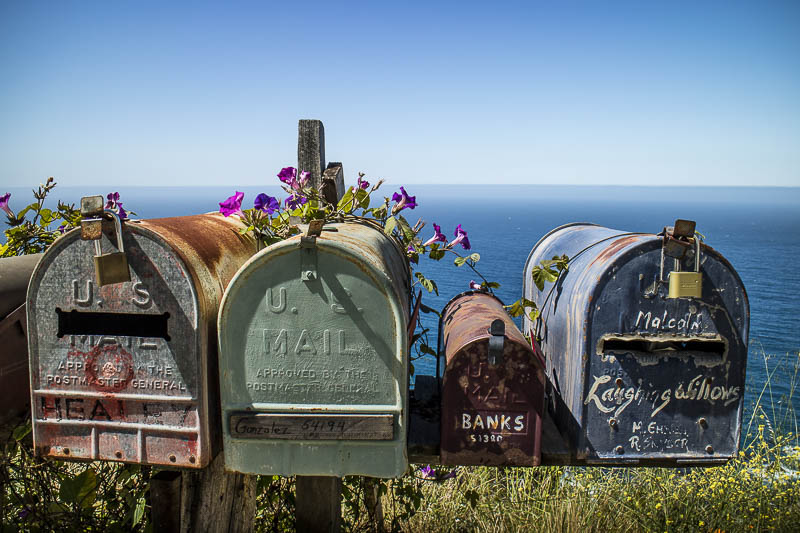 US Mailboxes an der California State Route 1