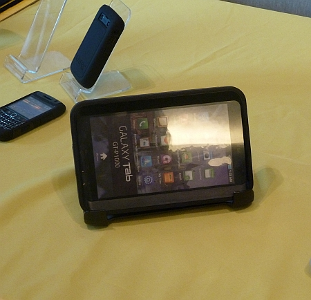 otterbox_samsung_galaxy_tablet_case_stand