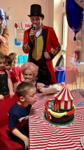 Barnum party entertainer