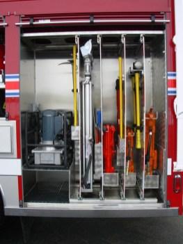 Harrods-Creek-1288-Heavy-Rescue-Vehicle-side-jacks