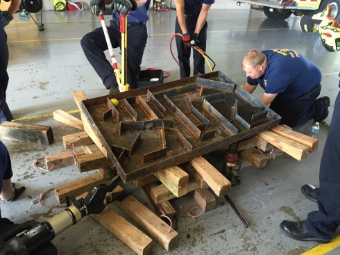 lifting-maze-extrication