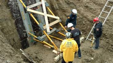 advanced-trench-rescue-shoring-symposium-day-1-paratech-ron-z-1