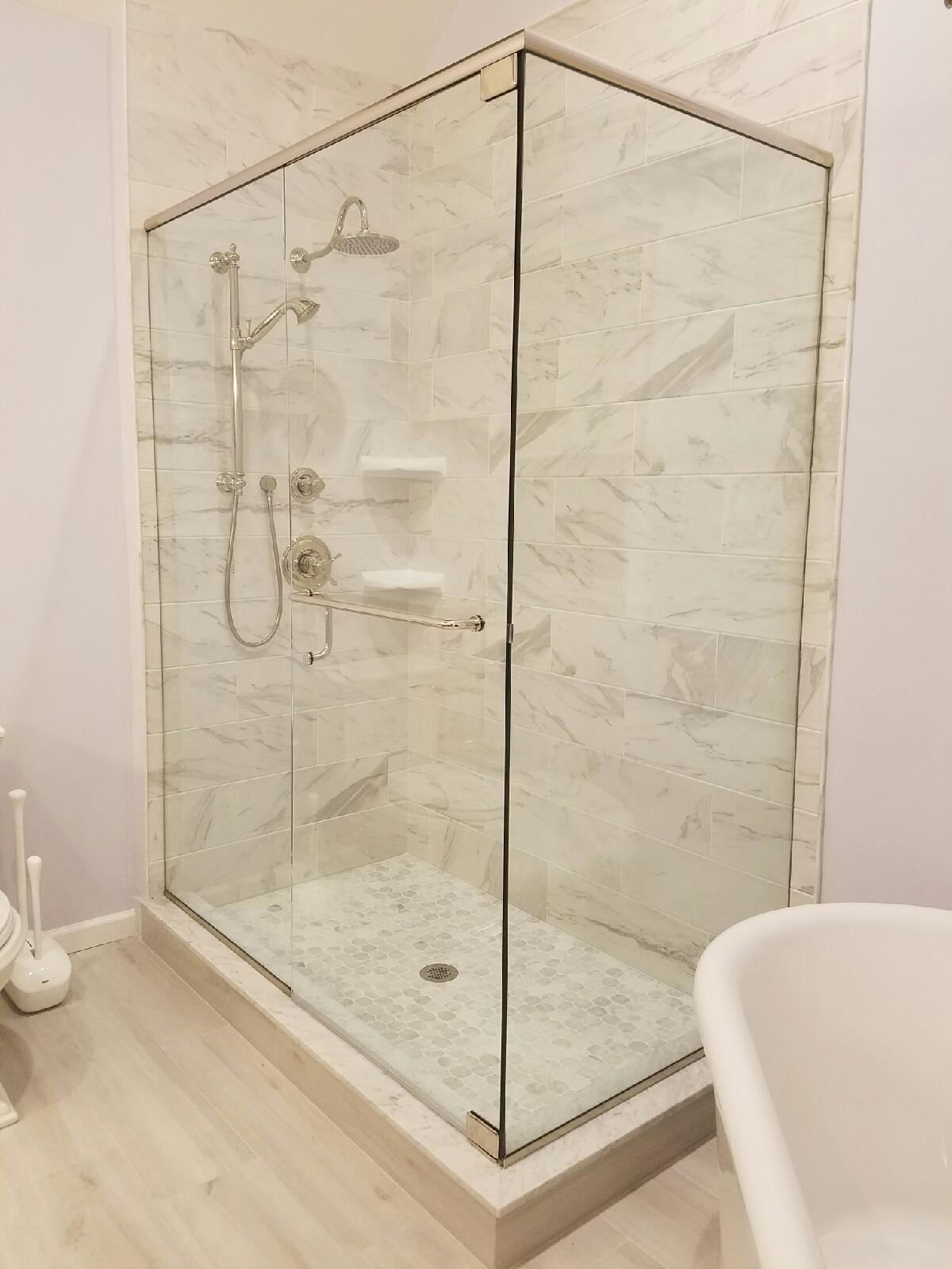 Shower Enclosure With 90 Degree Corner And Towel Bar Handle