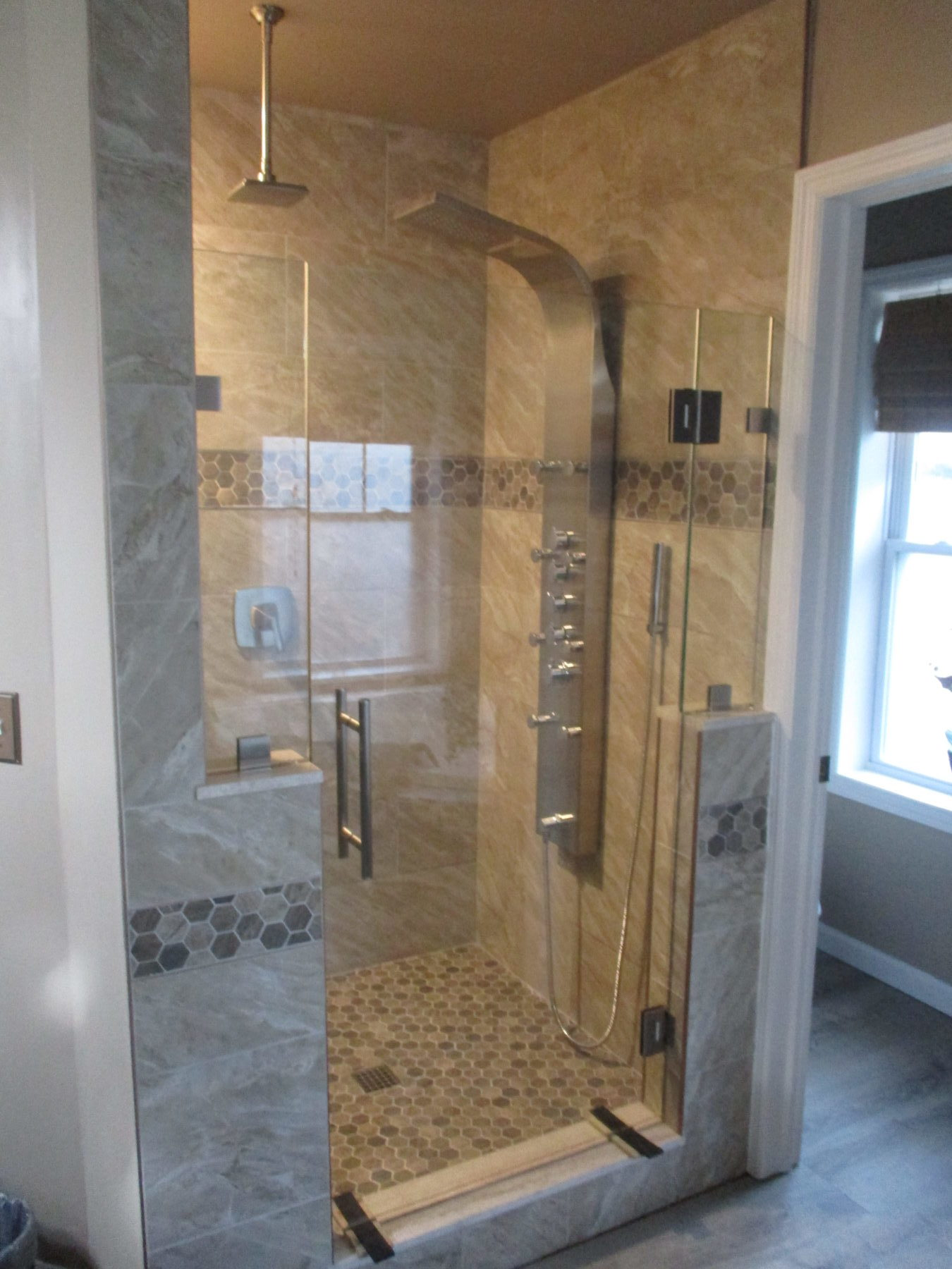 Frameless ½ Panel, Door, ½ Panel with Clips Mahopac