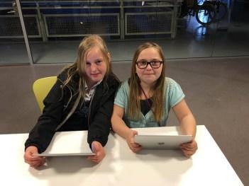Barna fikk være med på et kodeverksted der de lærte å programmere og lage sine egne filmer. Teknisk museum i april 2016.