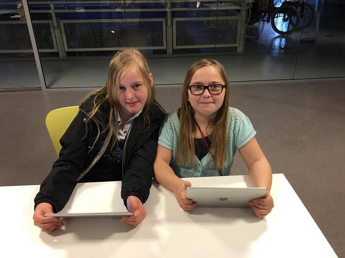Barna fikk være med på et kodeverksted der de lærte å programmere og lage sine egne filmer.