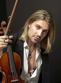 Violinista cade sul suo stradivari dopo il concerto, danni inestimabili!