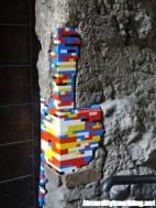 Jan Vormann - L'artista che ripara gli edifici con il Lego2