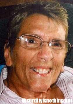 Patricia Mitchell - Va a Lourdes e torna con due gambe rotte