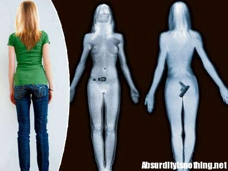 Si masturba mentre guarda il Body Scanner