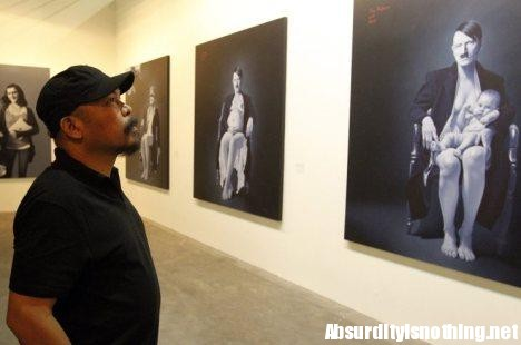 Ronald Munullang - Hitler come la Madonna