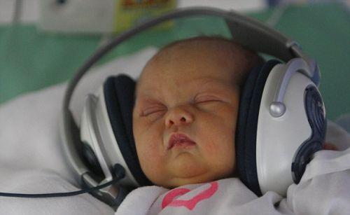 Mozart in cuffia per i neonati (1)