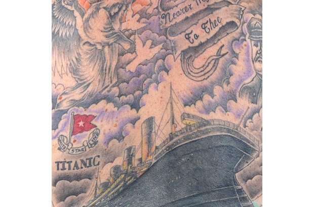 Steve Hide Titanic (2)