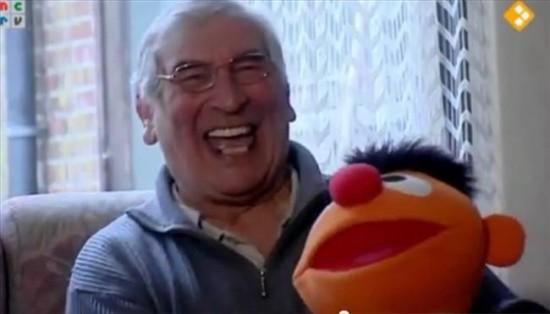 Huug Bosse, l'uomo che ride senza fermarsi da 2 anni