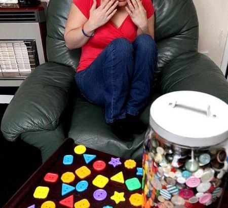 Louisa e la fobia per i bottoni (1)