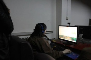 Videogiochi-dipendente cinese è in un Internet Point da 6 anni