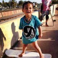 Lo skater più piccolo del mondo (1)