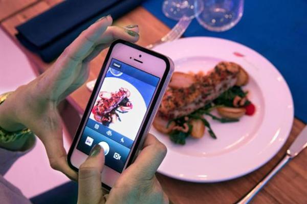 Mangi gratis se posti su Instagram (3)