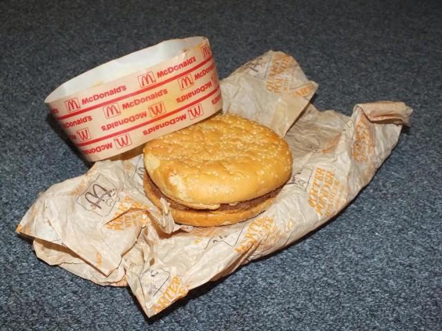 Hamburger di McDonald's, ancora uguale dopo 20 anni (1)