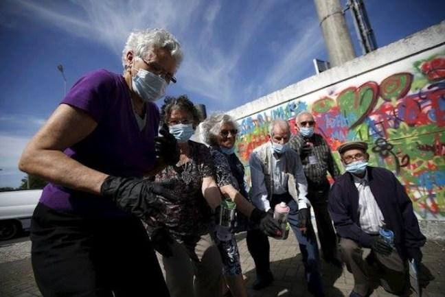 anziani lisbona graffiti arte tag