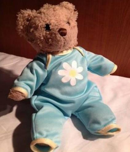 Donna di 35 anni disperata per la perdita del suo orsacchiotto