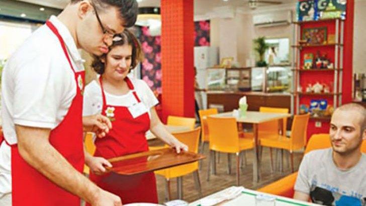 Down Café, il bar turco il cui staff ha la sindrome di Down