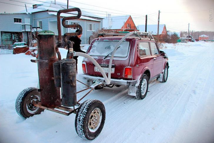 auto a legna in ucraina3