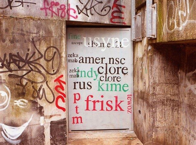 Riscrive sui muri le tag dei writers con testi leggibili10
