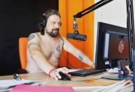 bielorussi lavorano nudi6