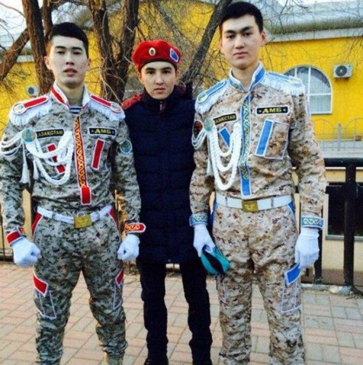 divise militari Kazakhstan2