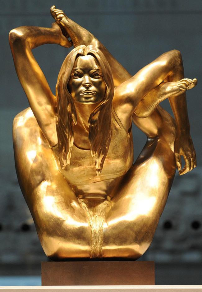 10 delle statue più assurde al mondo9