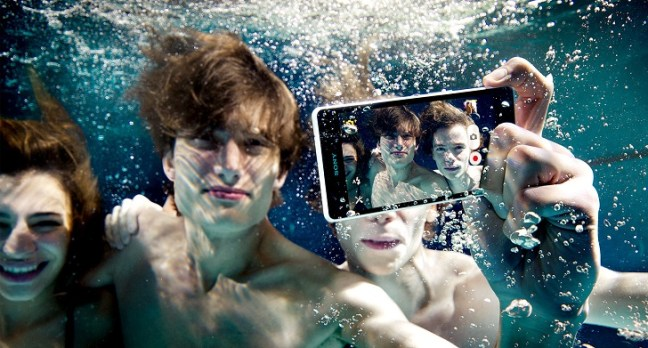 giappone-smartphone-waterproof