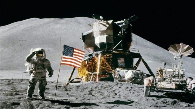 oggetti-abbandonati-sulla-luna