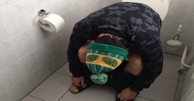 giappone-morte-wc