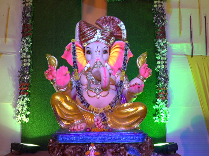 ganeshotsav-organized-for-the-first-time-by-the-world-hindu-council