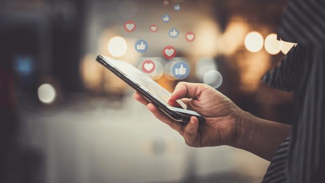 Social Media Marketing and Traffic Generator