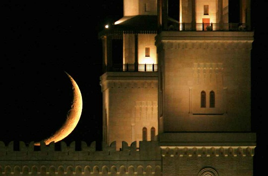 The believers welcome Ramadan whilst the sinners are repelled by it