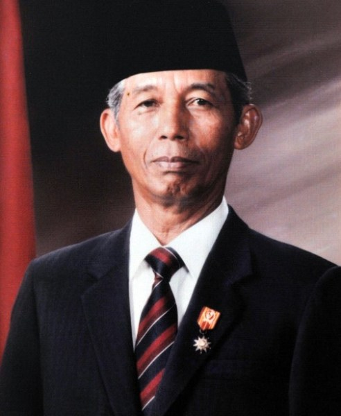 Wakil Presiden Letjen. (Purn) Sudharmono, S.H