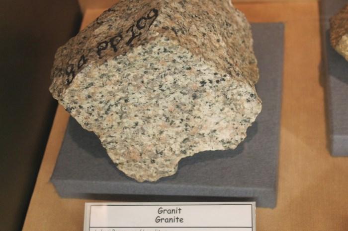 batu granit
