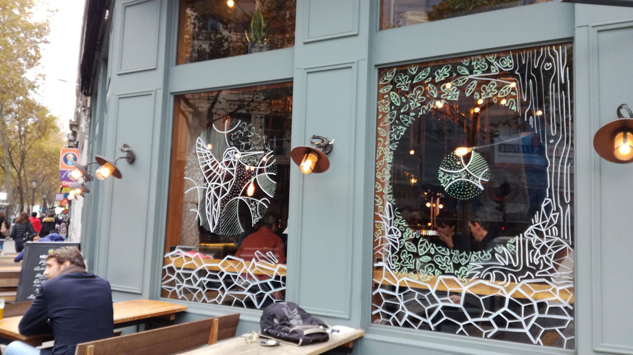 abys-illustration da streetart posca decoration vitrine hopper